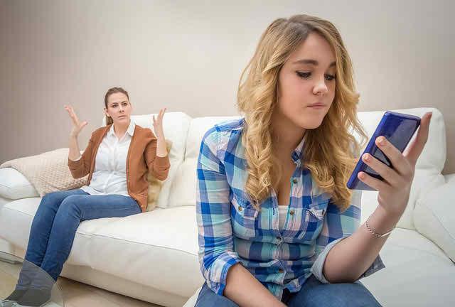 monitor your teens online activities